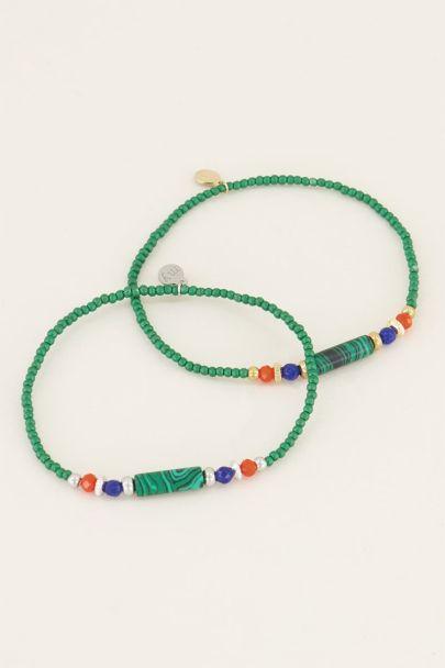 Armbandje met groene kralen