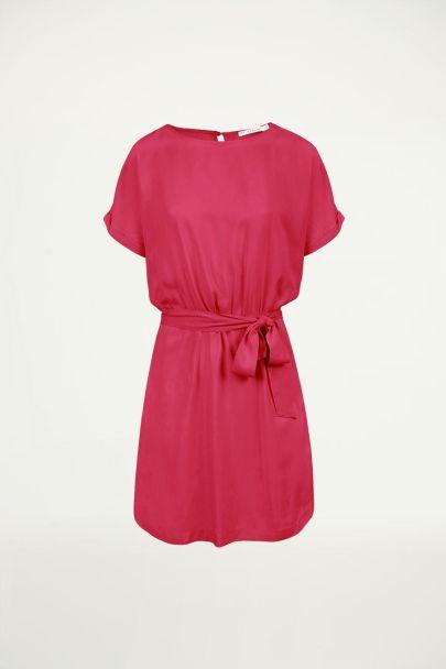 Roze jurk met open rug, a-lijn jurk
