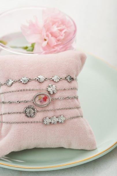 Armband drie bloemetjes