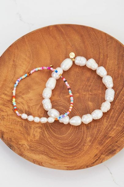 Armband mit großen Perlen
