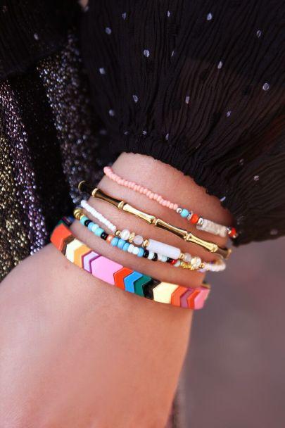 Armbandje met roze kralen