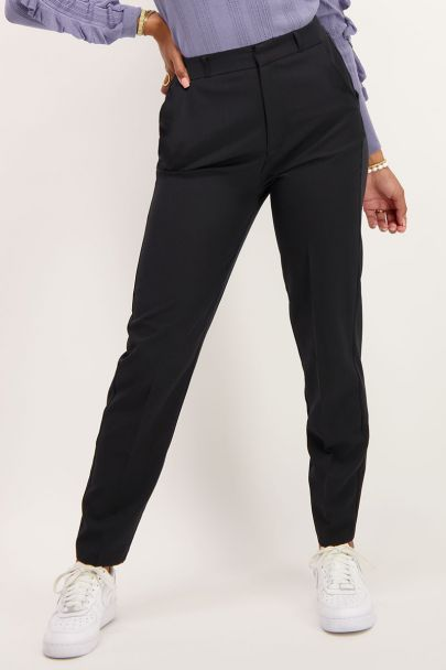 Zwarte pantalon met persvouwen