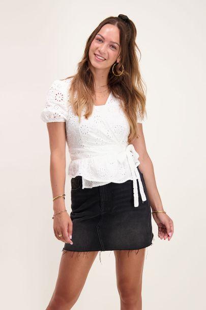 Witte overslag blouse met knoopje & strik