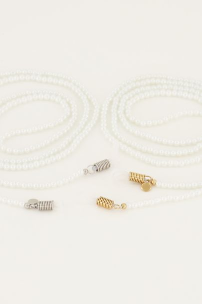 Eyeglass cord with pearls