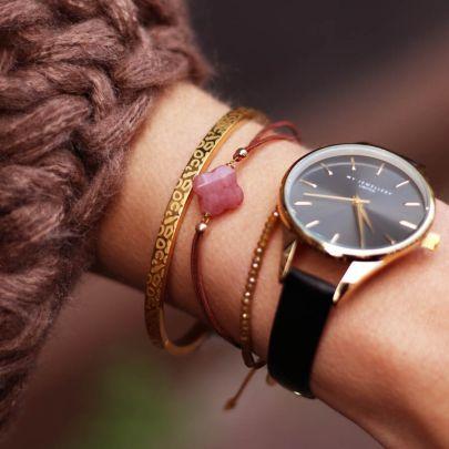Zwart klassiek horloge