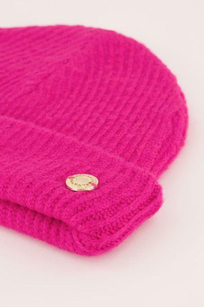 Fel roze gekleurde muts