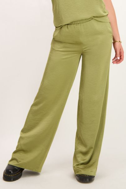 Groene broek satijnen look