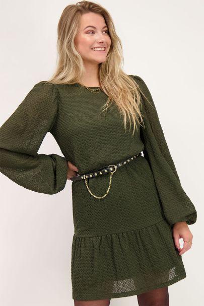 Grünes langärmliges Kleid mit Struktur