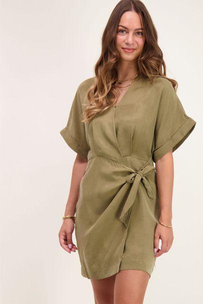 Donkergroene kimono wikkeljurk