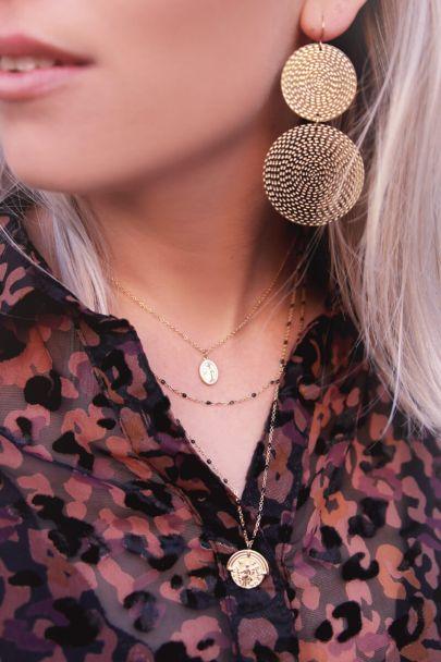 Dreifache Halskette mit Münzen und Perlen