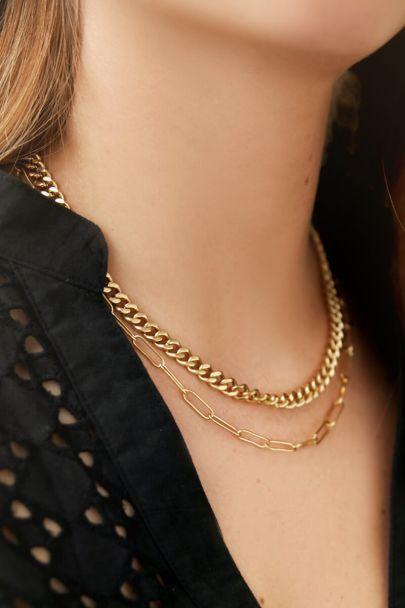 Halskette mit mittellanger Kette