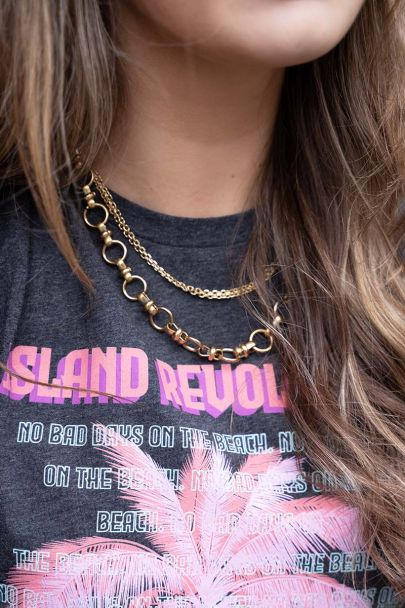 Necklace with round chain links