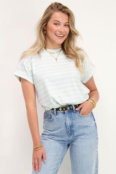 Lichtblauw T-shirt gestreept