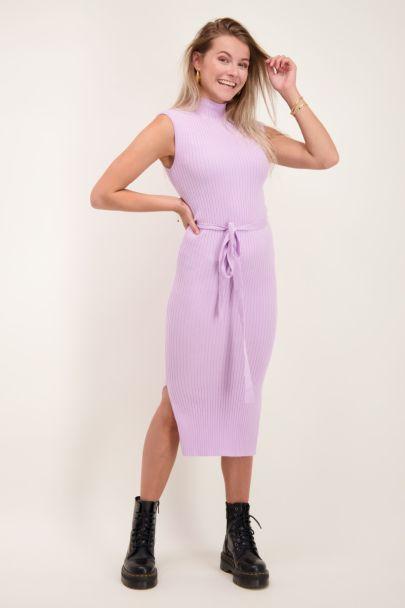 Lilac dress with slit
