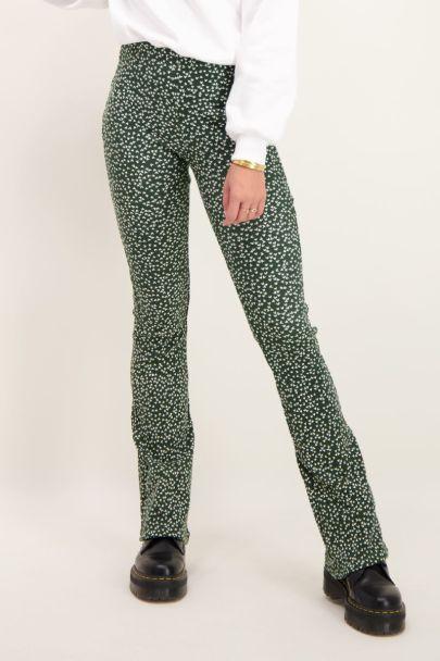 Groene flared pants met hartjes