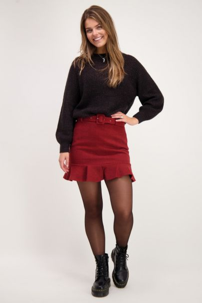 Rode boucle rok met ruffle en riem