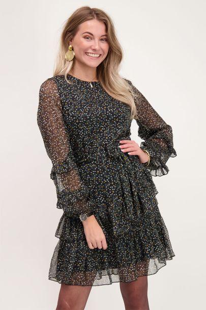 Zwarte jurk met bloemenprint en ruffle