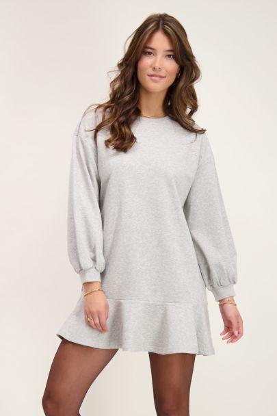 Grijze sweater jurk met ruffle