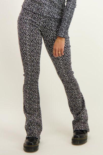 Zwart-witte flared pants dierenprint