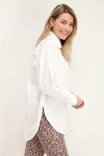 Witte blouse met ruffle kraag