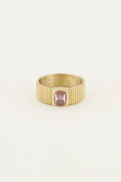 Brede ring met roze steen