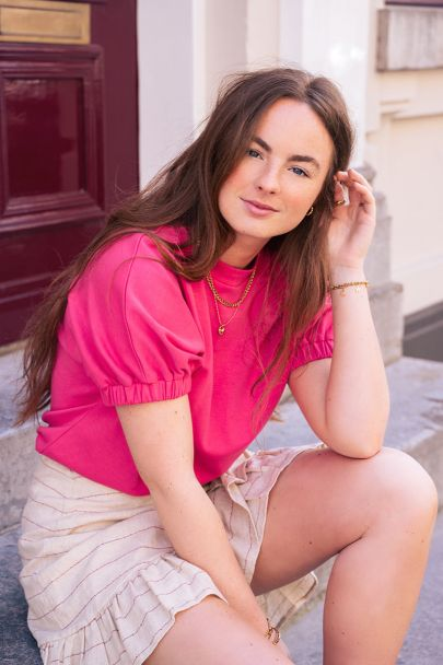Pink shirt with elastic sleeves