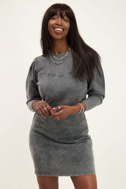 Grey dress with puff sleeves