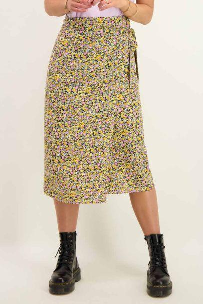 Midi wrapskirt with floral print