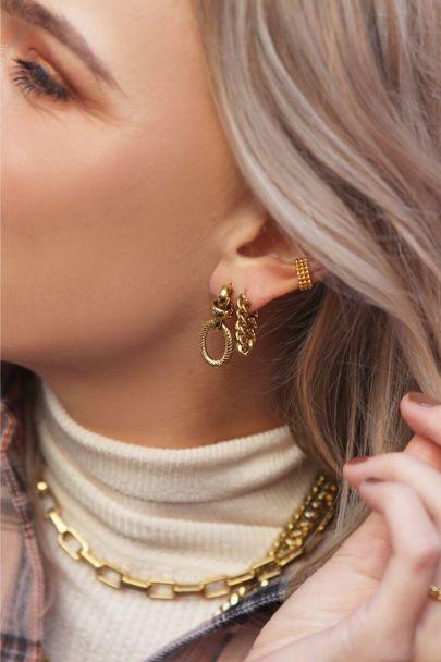 Ohrhänger mit Kettendetail