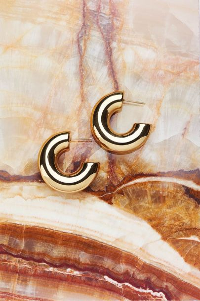 Hoop earrings basic statement