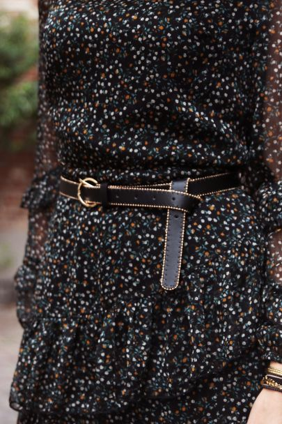 Zwarte riem met goudkleurige studs