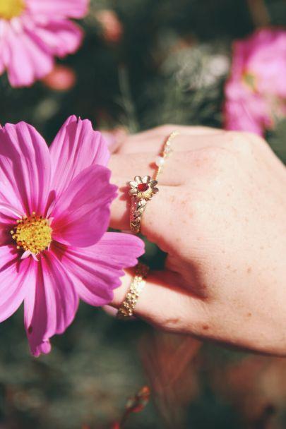 Ring bloem & steentje