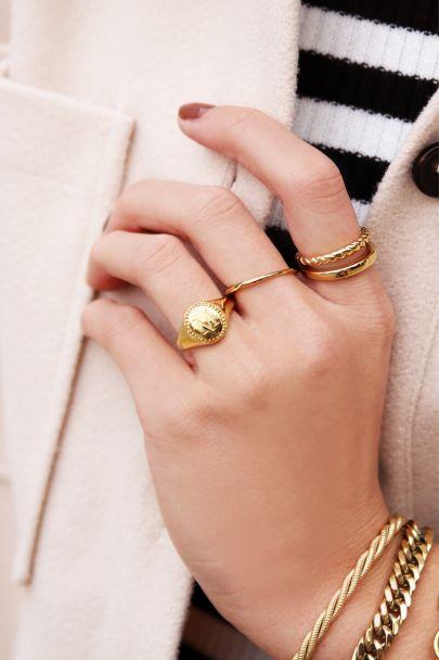 Signet ring initial