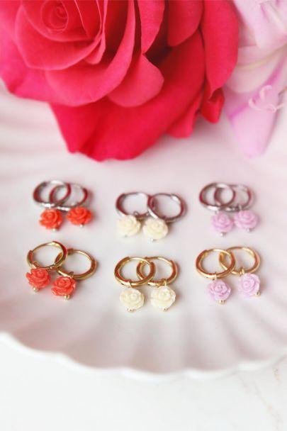 Rode oorbellen roosjes