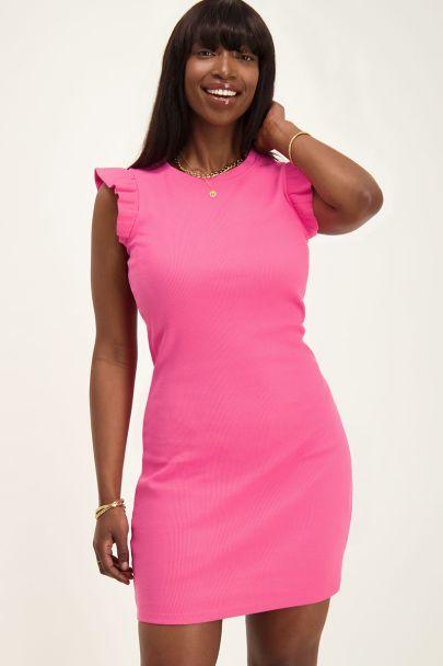 Roze rib jurkje met ruffle mouw