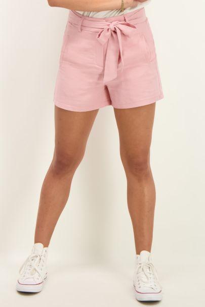 Pink short linen look
