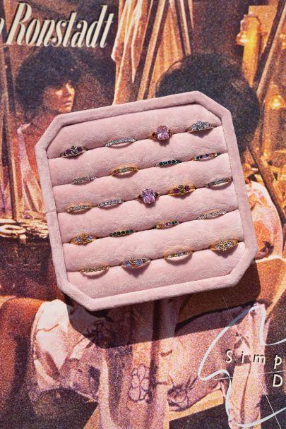 Roze vintage ringen display