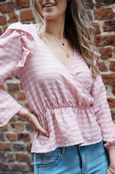 Roze wrap top met ruffles