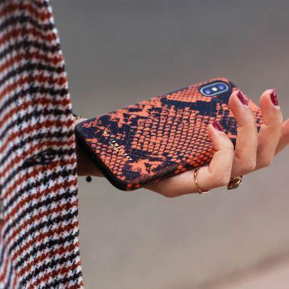 Telefoonhoesje oranje slangenprint