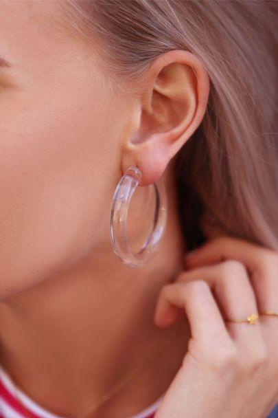 Transparante oorringen