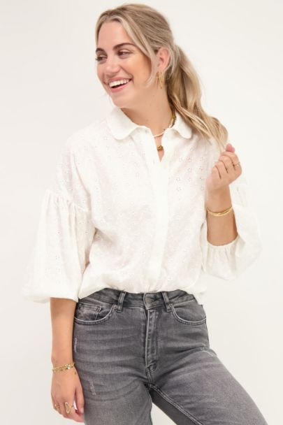 Witte blouse embroidery & pofmouwen