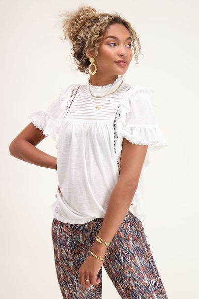 Witte top ruffles & kant