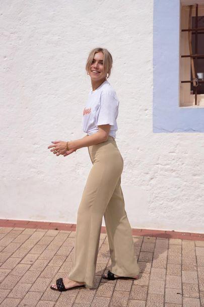 Beige wijdvallende pantalon