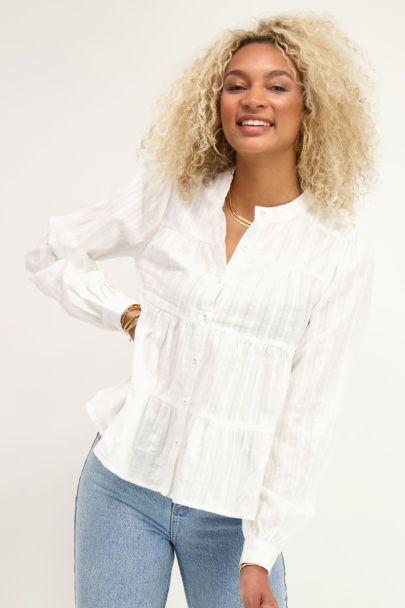 Witte blouse met laagjes