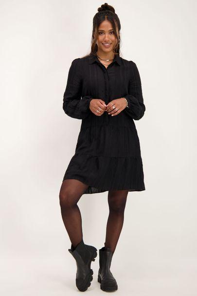 Zwarte blousejurk met verticaal structuur
