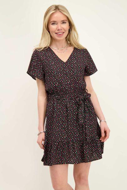 Zwart jurkje met bloemenprint en ruffle