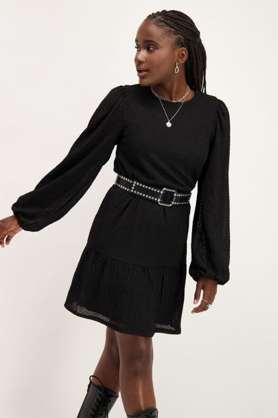 Schwarzes langärmliges Kleid mit Struktur