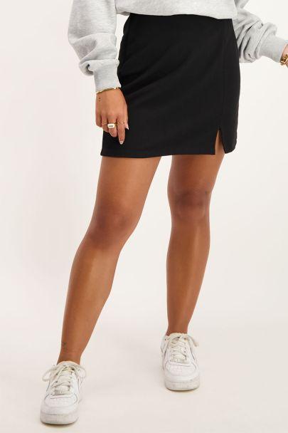 Black skirt with split