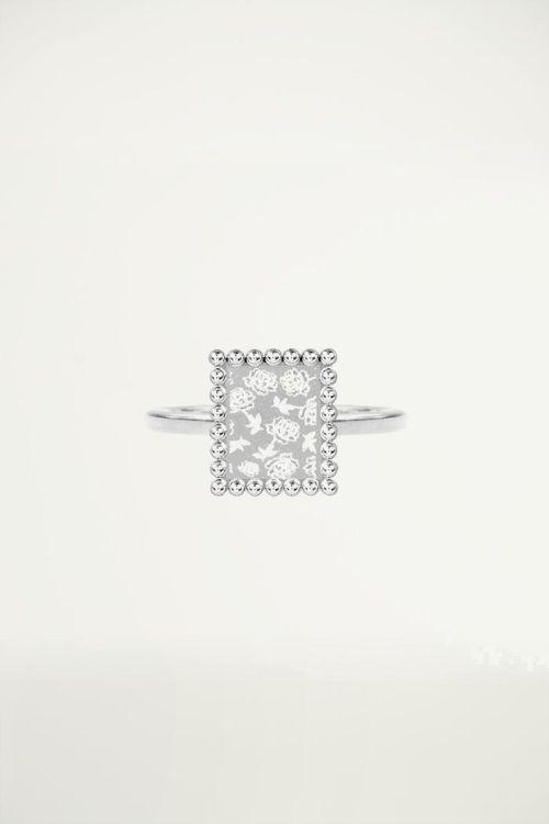 Minimalistisch ringetje vierkant plaatje met roosjes, Vintage sieraden