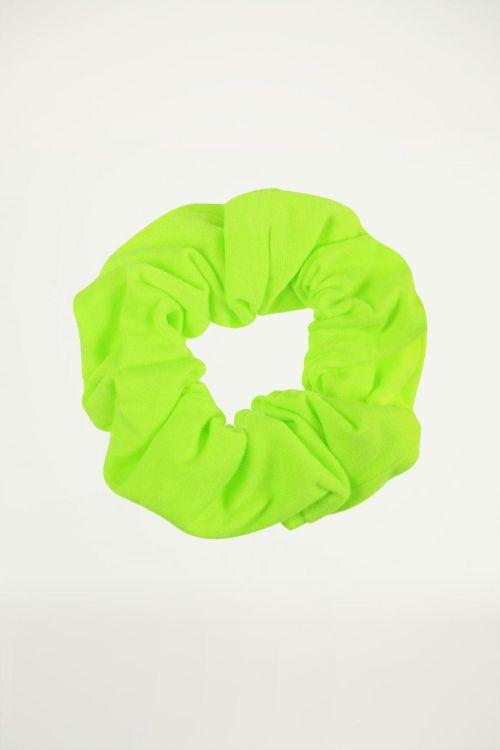 Neon groene scrunchie, haarelastiek